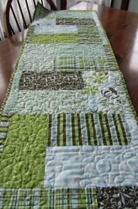 Quilt Pattern Design for Razzle Dazzle Tablerunner different colourway